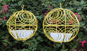 Yellow – Twirlybird Bird feeder